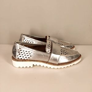 Crown Vintage Womens Miaa Loafer Shoes Metallic